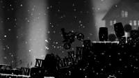 暗夜雪地摩托